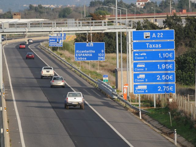 how to pay tolls in portugal
