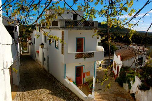 algarve destinations alte village algarve travel guide. Black Bedroom Furniture Sets. Home Design Ideas
