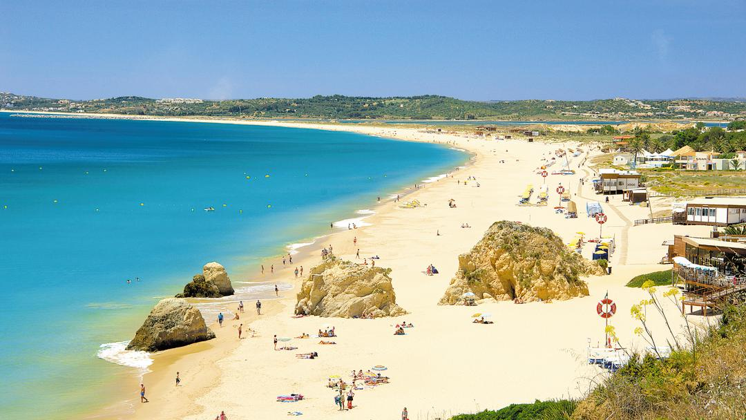The Algarve tourist season is ramping up